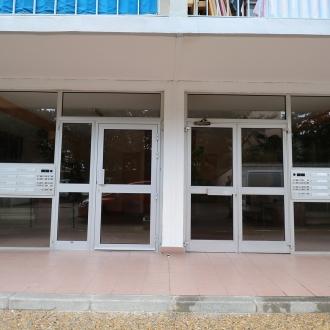 Installation d'une porte d'entrée à Toulon