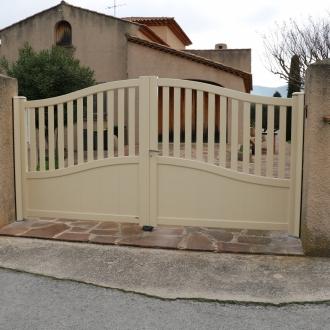 Installation d'un portail à la crau