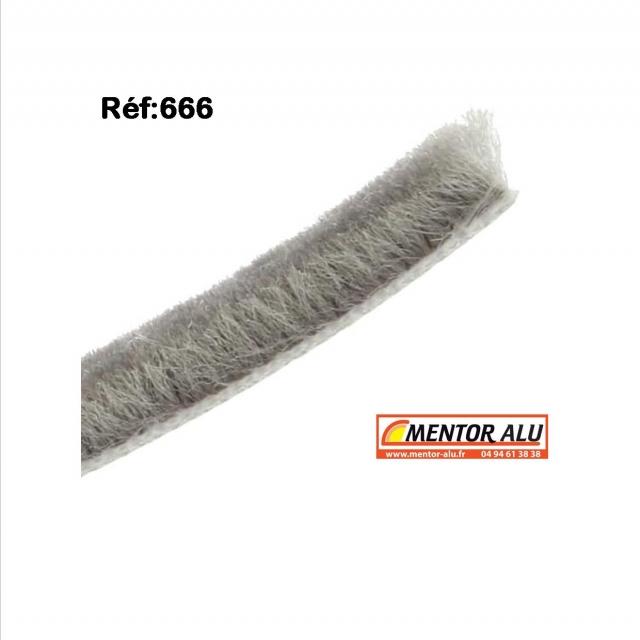 Joint brosse pour fenêtre et  baie coulissante ancienne serie. L 6.7mm 1