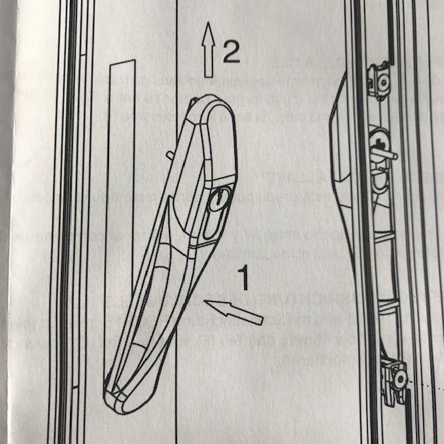 Serrure de baie vitrée coulissante  à clé  VIAL avec poignée.  2