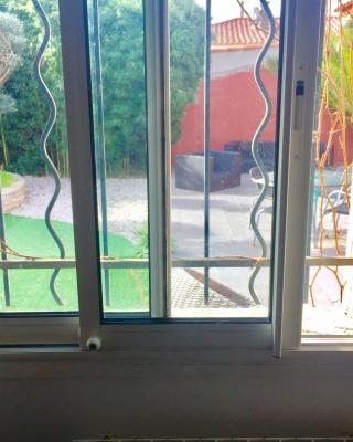 MENTOR | Alu - PVC - Stores -Entrebailleurs de fenêtre coulissante