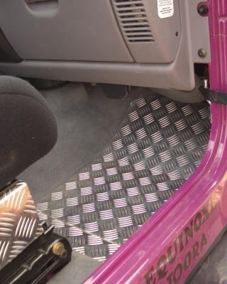MENTOR | Alu - PVC - Stores -Tole alu et plaque inox pour tapis de sol 4x4  sur mesures